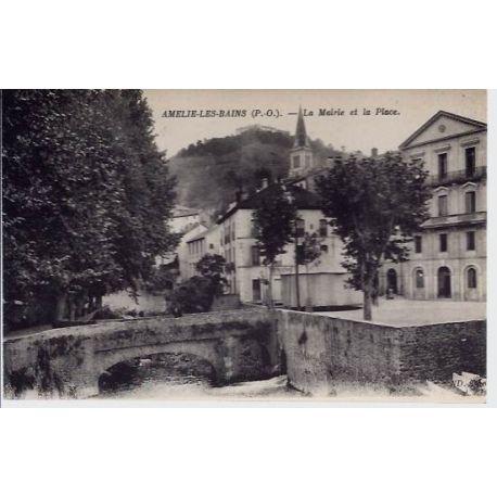 66 - Amelie les Bains - La mairie et la place