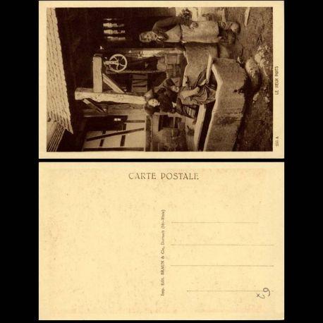 Carte postale 67 - L'alsace pittoresque - Le vieux puits - Animee