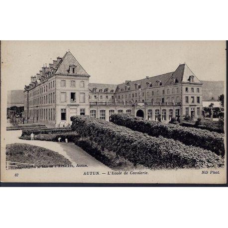 Carte postale 71 - Autun - Ecole de cavalerie