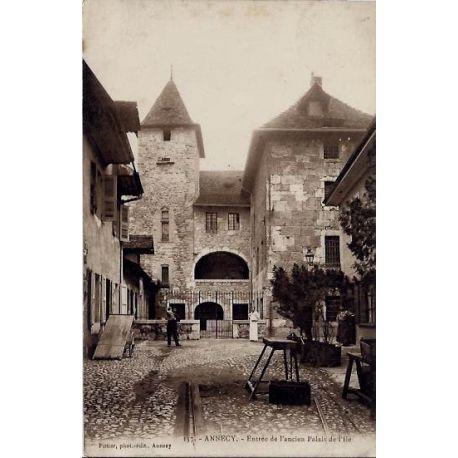 Carte postale 74 - Annecy - Entree de l'ancien Palais de l'Ile - Voyage - Dos divise