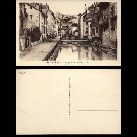 Carte postale 74 - Annecy - Le quai de l'Eveche - Passerelles