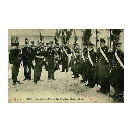 75 - Paris - Une revue a l'Hotel des Invalides - 1912