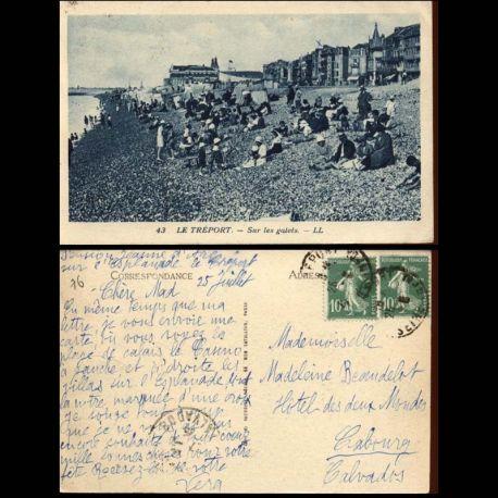 Carte postale 76 - Le Treport - Sur les galets - Animee