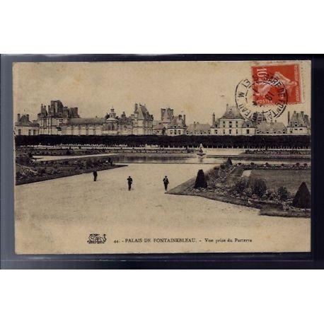 77 - Fontainebleau - le Palais - vue prise du Parterre - Voyage - Dos divi