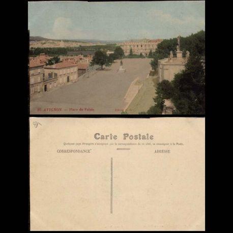 84 - Avignon - Place du Palais