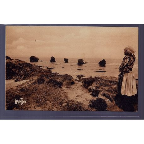 85 - Croix-de-Vie - les rochers - les cinq pineaux entre Croix-de-Vie et Si