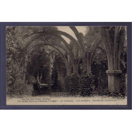 85 - St-Michel-en-l' Herm - le chateau - les arcades - entree du souterrain