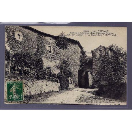 85 - Vouvant - porte de la Poterne au vieux chateau de Vouvant bati par Geo
