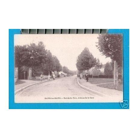 Carte postale 88 - BAINS-LES-BAINS - ENTREE DU PARC-AVENUE DE LA GARE