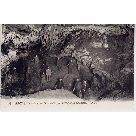 Carte postale 89 - Arcy/Cure - Le Vallot et la Draperie
