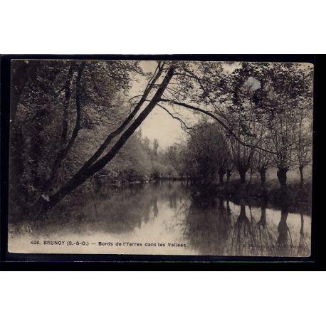 Carte postale 91 - Brunoy - Bords de l' Yerres dans les Vallees - Voyage - Dos divise