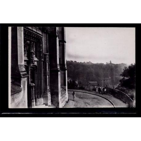 Carte postale 95 - Montmorency - Vue vers l' Orangerie et le Portail de l' eglise St-Mart