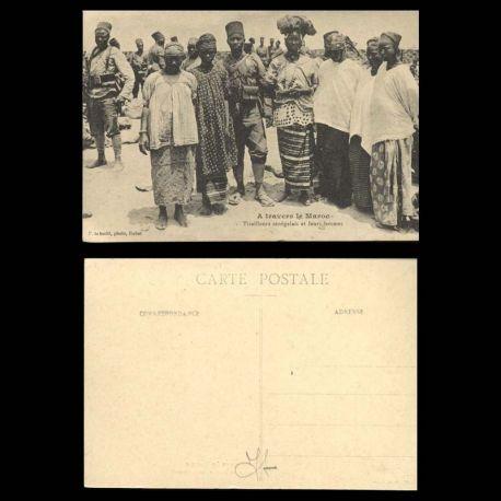 A travers le maroc - Tirailleurs senegalais et leurs femmes - Beau plan