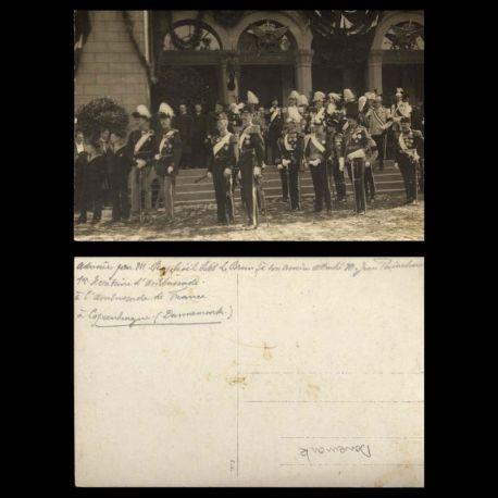 Danemark - Carte photo - Famille royale et militaires devant le palais