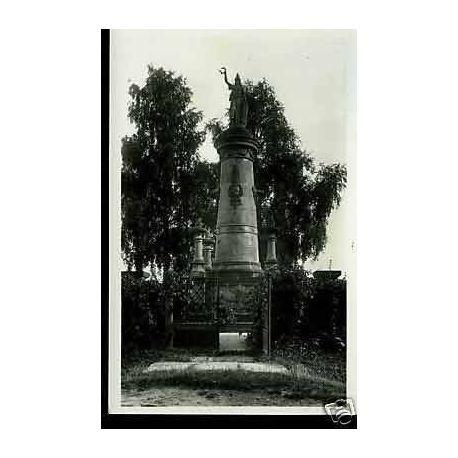Tchequie - Hradce Kralove - Baterie mrtvych na Chlumu