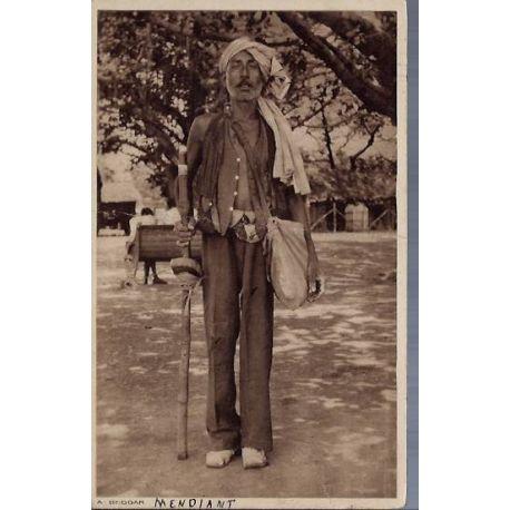 Inde - A beggar - Un Mendiant - Pliee