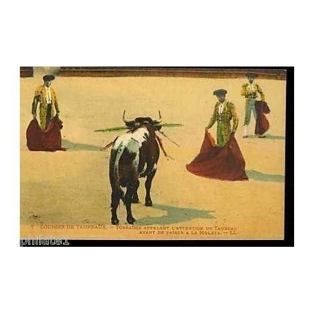 Courses de Taureaux - Toreador appelant le taureau