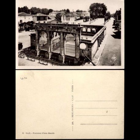 Carte postale 40 - Dax - Fontaine d'eau chaude