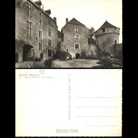 Carte postale 53 - Lassay - Cour interieure du chateau