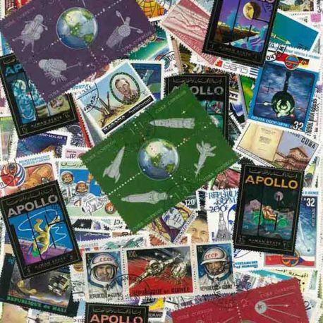 Kosmos: 100 verschiedene Briefmarken