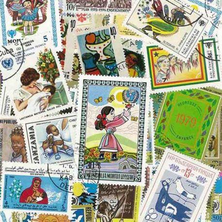 Kinder: 100 verschiedene Briefmarken