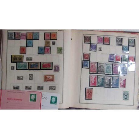 Collection de timbres de Monaco en Album