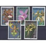 Timbres orchidees Surinam N° 635/639 neufs