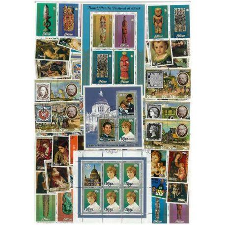 Niue - 25 timbres différents