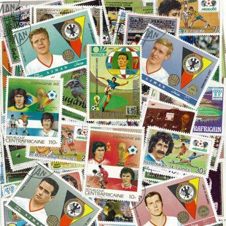 Fußball-Spieler: 100 verschiedene Briefmarken