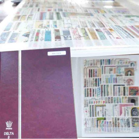 Italia collezione del 2000 francobolli cancellati in Classificatori