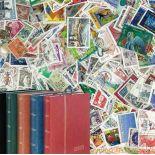 2000 stamps France + sorter Lindner 60 pages