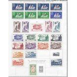 Collection de timbres de St Pierre et Miquelon Neufs avec charnière.